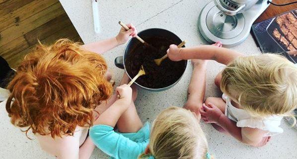 Super Brownies - Little helpers